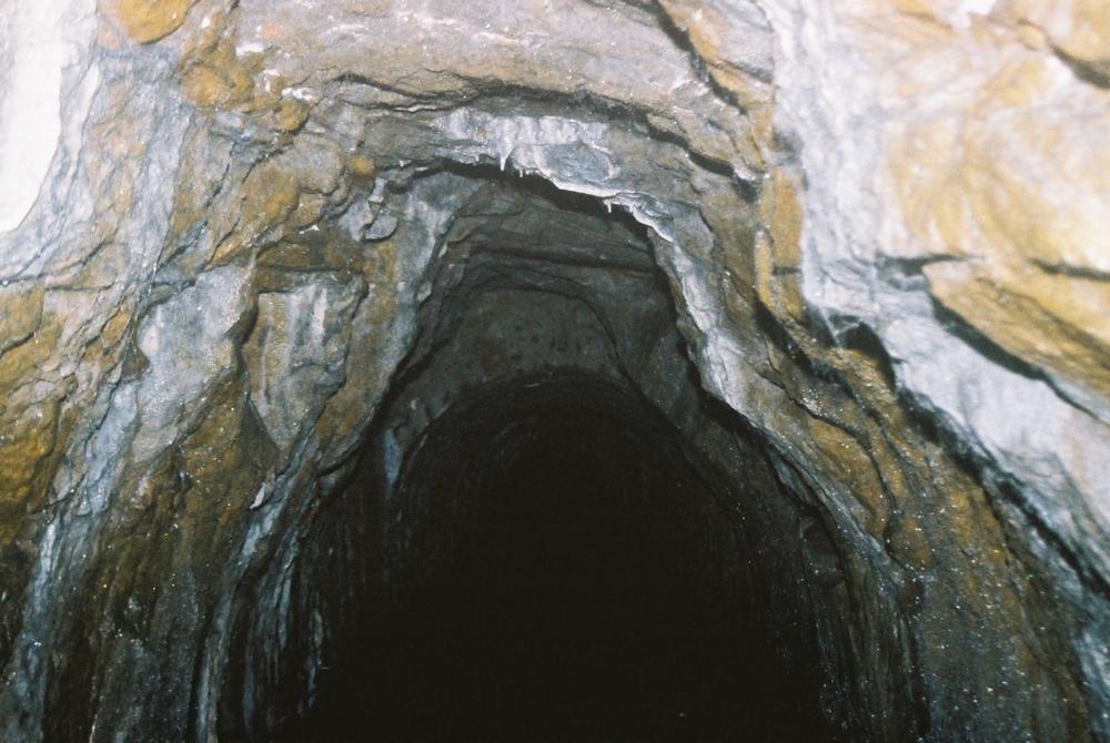 Sztolnia podczas eksploracji w latach 2001-2006<p> <a href=''></a></p>