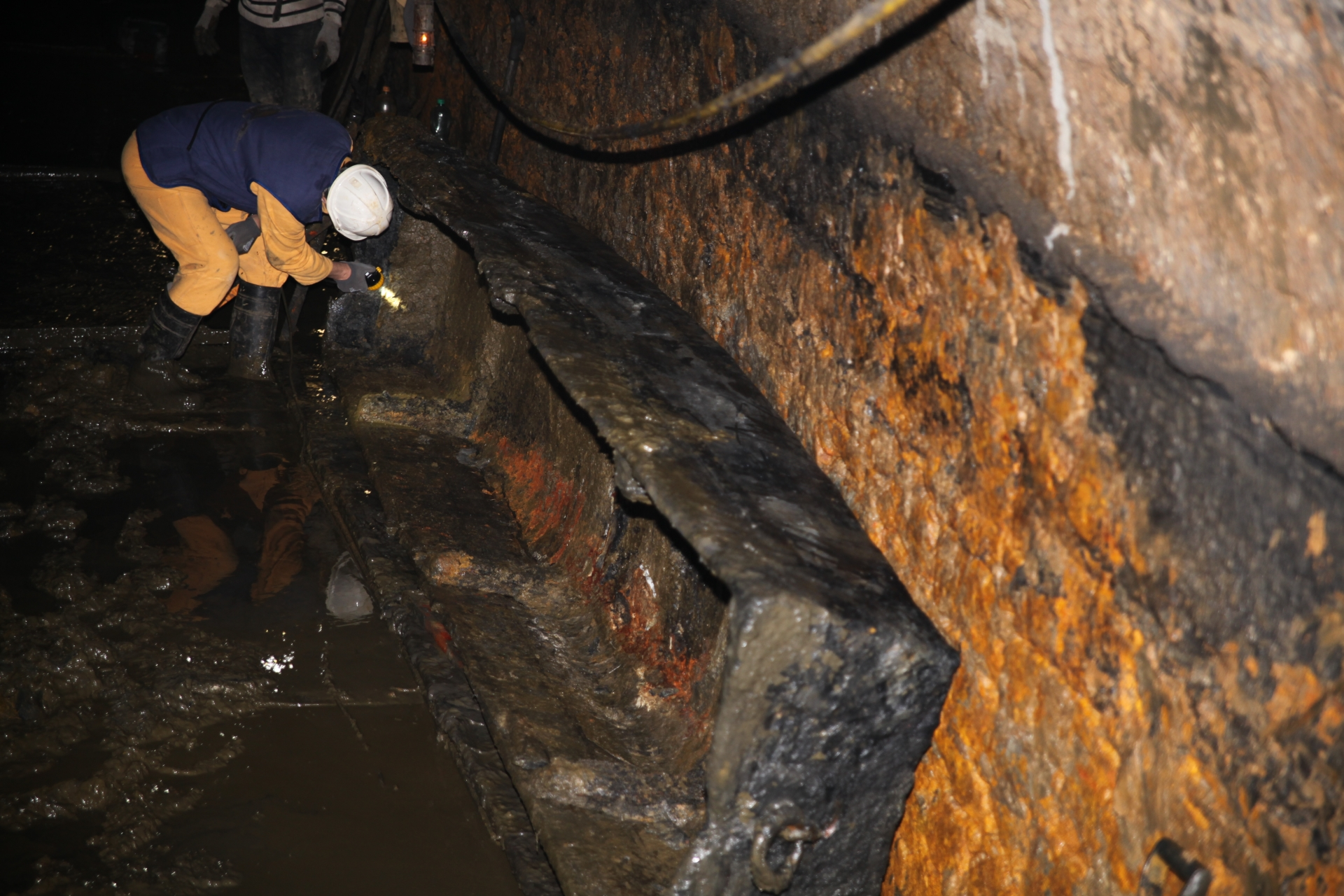 Stuletnia drewniana łódź znaleziona w 2012 roku podczas udrażniania<p> <a href=''></a></p>